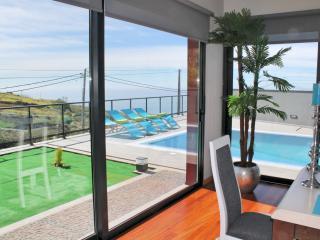 Villa Rouge - Estreito da Calheta vacation rentals