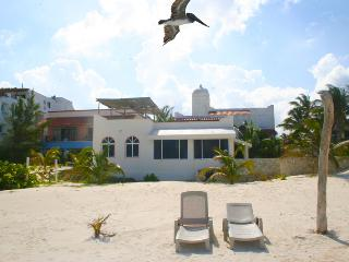2 BR BEACH CONDO CASA DEL MAR 5 IN PUERTO MORELOS - Puerto Morelos vacation rentals