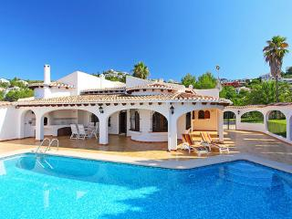 Casa Escorpio pax* ~ RA22133 - Pego vacation rentals