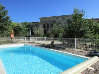Cozy 3 bedroom Gite in Rousson with Internet Access - Rousson vacation rentals