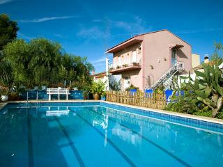 Flors ~ RA21588 - L'Ampolla vacation rentals
