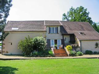 Maison Canaju ~ RA26189 - Digoin vacation rentals