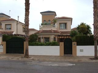 Detached 3br villa 2km from beaches - Guardamar del Segura vacation rentals