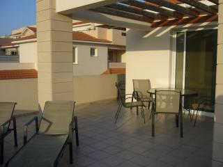 2 bed apartment with large roof terrace - Pyla vacation rentals