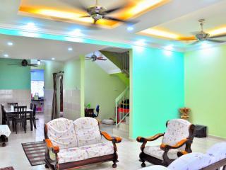 Aleeya Green Homestay - Penang vacation rentals