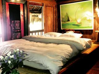 Dao Anh Khanh Studio Homestay - Hanoi vacation rentals