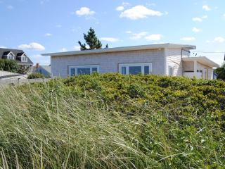 Gorgeous 3 bedroom Bungalow in Marshfield - Marshfield vacation rentals