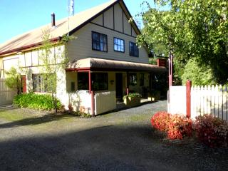 GRACEFIELD COTTAGE - Neerim South vacation rentals