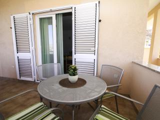 35315 A2(2+2) - Okrug Gornji - Island Ciovo vacation rentals