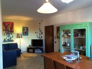 Nice 2 bedroom Condo in Signa with Internet Access - Signa vacation rentals