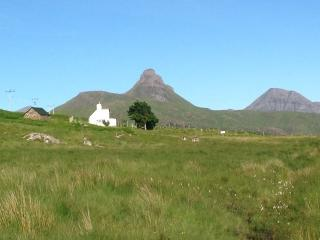 Nice Cottage with Internet Access and Outdoor Dining Area - Achiltibuie vacation rentals