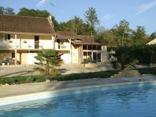Nice Gite with Internet Access and Shared Outdoor Pool - Lamonzie-Montastruc vacation rentals