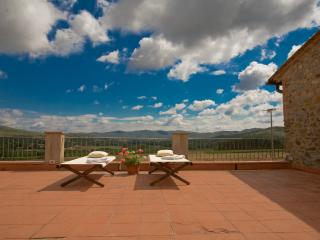 Casa di campagna - Montebenichi vacation rentals
