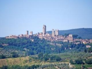 2 bedroom Farmhouse Barn with Internet Access in San Gimignano - San Gimignano vacation rentals