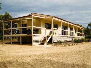 Nice Cottage with Deck and A/C - Yankalilla vacation rentals
