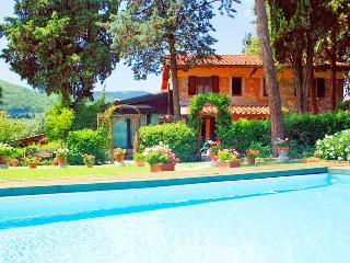 NO CAR NEEDED; stay in Countryside Without a Car - Florence vacation rentals