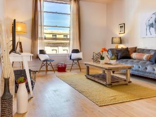 Modern, bright & light downtown Boise condo with great city views! - Boise vacation rentals