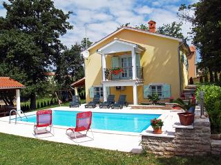 Beautiful Villa with Internet Access and Shared Outdoor Pool - Ferlini vacation rentals