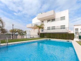 COMPLIT - Property for 6 people in MIRAMAR - Platja de Piles vacation rentals