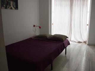Spacious and bright room - Malaga vacation rentals