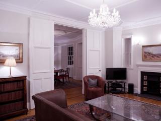 Old Town Apartment Ramsay Garden Ground Floor - Edinburgh vacation rentals