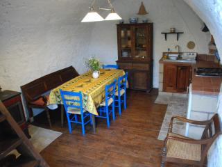 Lovely 2 bedroom Cottage in Fontecchio - Fontecchio vacation rentals