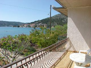 Milly Apartment for 8 with terrace - Marina vacation rentals