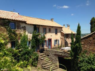 Nice Gite with Internet Access and Wireless Internet - Saint-Sernin-sur-Rance vacation rentals