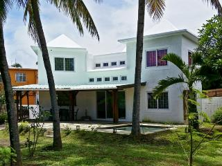 Perfect Villa with A/C and Shared Outdoor Pool - Mahebourg vacation rentals
