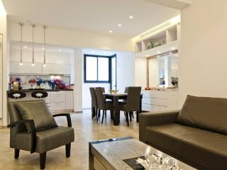 LUXURY 3 ROOM BRAND NEW 3 MIN SEA - Tel Aviv vacation rentals