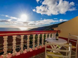Romantic 1 bedroom Condo in Arco da Calheta with Balcony - Arco da Calheta vacation rentals