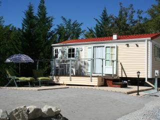 Charming 2-bedroom modular home - Puget Theniers vacation rentals