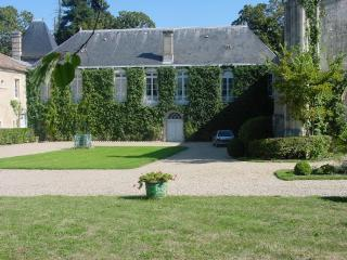 Great character house with pool and tennis - Sainte-Eulalie vacation rentals
