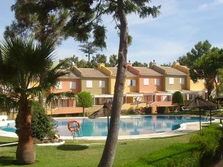 Cozy 3 bedroom Islantilla House with Garden - Islantilla vacation rentals