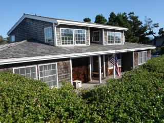 Beautifully maintained Gearhart home near beach - Gearhart vacation rentals