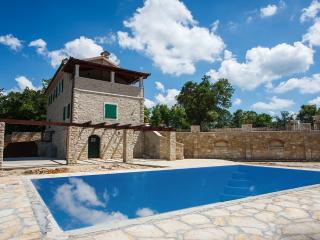 Perfect 4 bedroom Villa in Kringa - Kringa vacation rentals