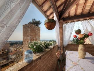 SPELLO HOUSE Altana Shabby Chic Charming Suite - Spello vacation rentals
