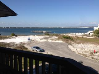 Pineapple Hut Small piece of paradise! private Spa - Navarre vacation rentals