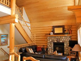 KCC104 - Lake Windermere Pointe Condo 2 bedrooms + den - Kootenay Rockies vacation rentals