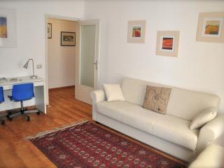 A CASA DI FRANCI your home in Parma - Apt Parmense - Parma vacation rentals