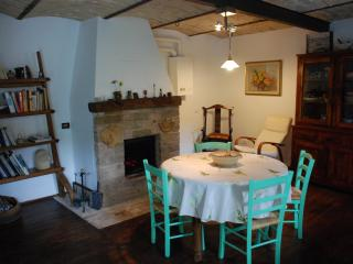 Casa Verde - Cosy Country House - Fontecchio vacation rentals
