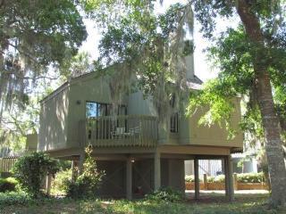 "601 Magnolia Walk Villa - ""Flip Floppin"" - Edisto Beach vacation rentals"