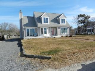 Gorgeous Beach House with Water Views (1498) - Wellfleet vacation rentals