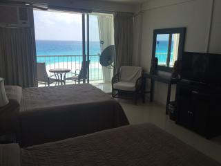 Ocean front studio - Cancun vacation rentals