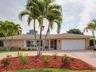 Heated Pool, Hot Tub, access to Gulf of Mexico - Cape Coral vacation rentals