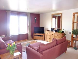 Bright 2 bedroom Apartment in Lerwick with Internet Access - Lerwick vacation rentals