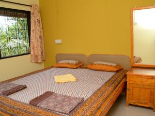Nice Bungalow with Short Breaks Allowed and Television - Malgund vacation rentals