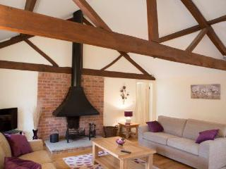 3 bedroom Barn with Internet Access in Leominster - Leominster vacation rentals