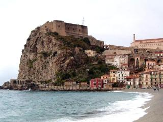 5 bedroom Bed and Breakfast with Internet Access in Scilla - Scilla vacation rentals