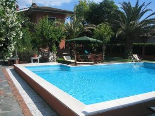 Nice Villa with Microwave and Central Heating - Forte Dei Marmi vacation rentals